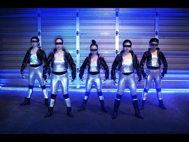 Robot Dance Style  /  NEO-Geisha