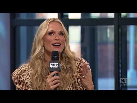 """Molly Sims Stops By To Discuss Her Book, """"Everyday Chic"""""""