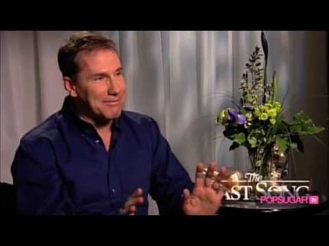 The Last Song: Nicholas Sparks on Creating Miley's Character