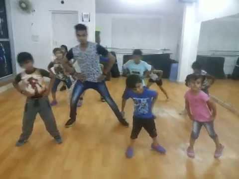 ''Selfie Le Le Re'' Bajrangi Bhaijaan KIDS easy steps
