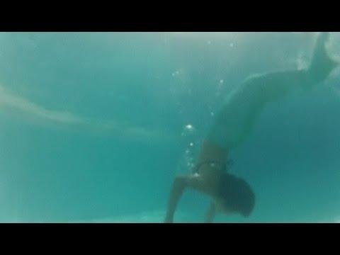 mermaid-swimming-school-opens-in-manila