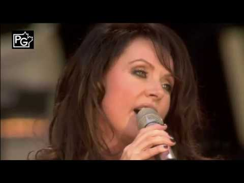 Josh Groban & Sarah Brightman -  All I Ask of You, 720p, HQ Audio