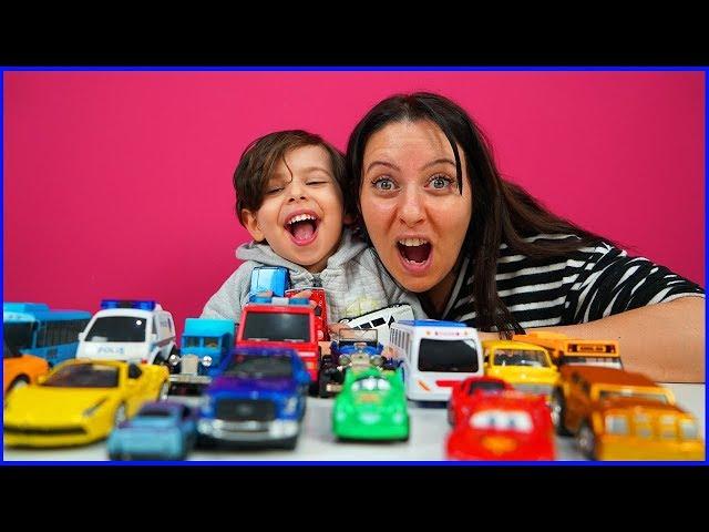 YANKI İLE RENKLİ ARABALARLA OYNUYORUZ | PLAYING WITH YANKI'S TOY CARS