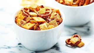 Slow cooker chex mix recipe - show me the yummy - episode 24