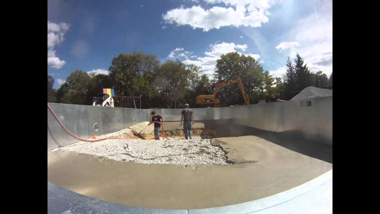 Pouring Vermiculite Swimming Pool Bottom Youtube