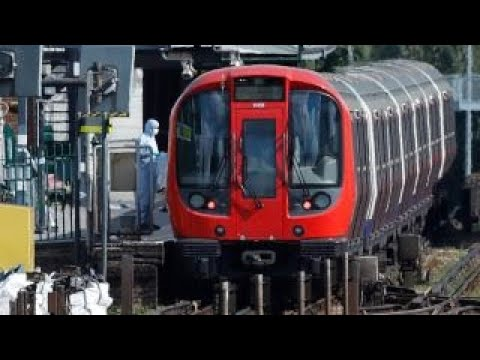 Bomb removal specialist breaks down London subway blast