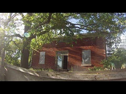 Exploring an Abandoned Farm House on Liberty Street