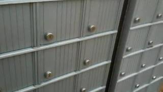 Canada_post_does_not_lock_mailbox.mov