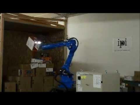 IPI Robot Throwing Boxes