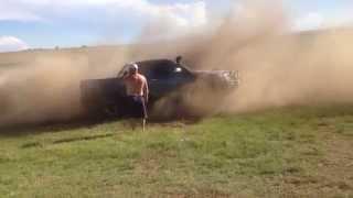 TUG OF WAR! Audi Q7 VS Toyota Hilux