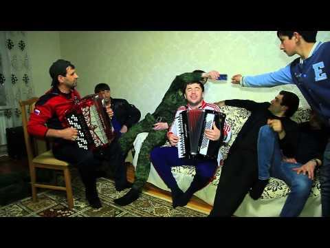Ахмед Лабазанов и Шамиль Ханакаев на гармошке