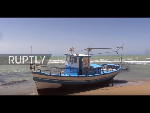 Italy: 'Ghost ships' wash up on beaches as migrants skip registration with night-time landings