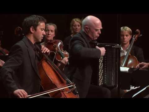 Sofia Gubaidulina: Sieben Worte for cello, bayan and strings