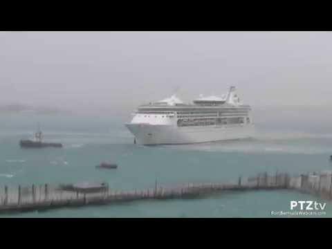Grandeur of the Seas Arrives Bermuda During Storm : 9/27/2015