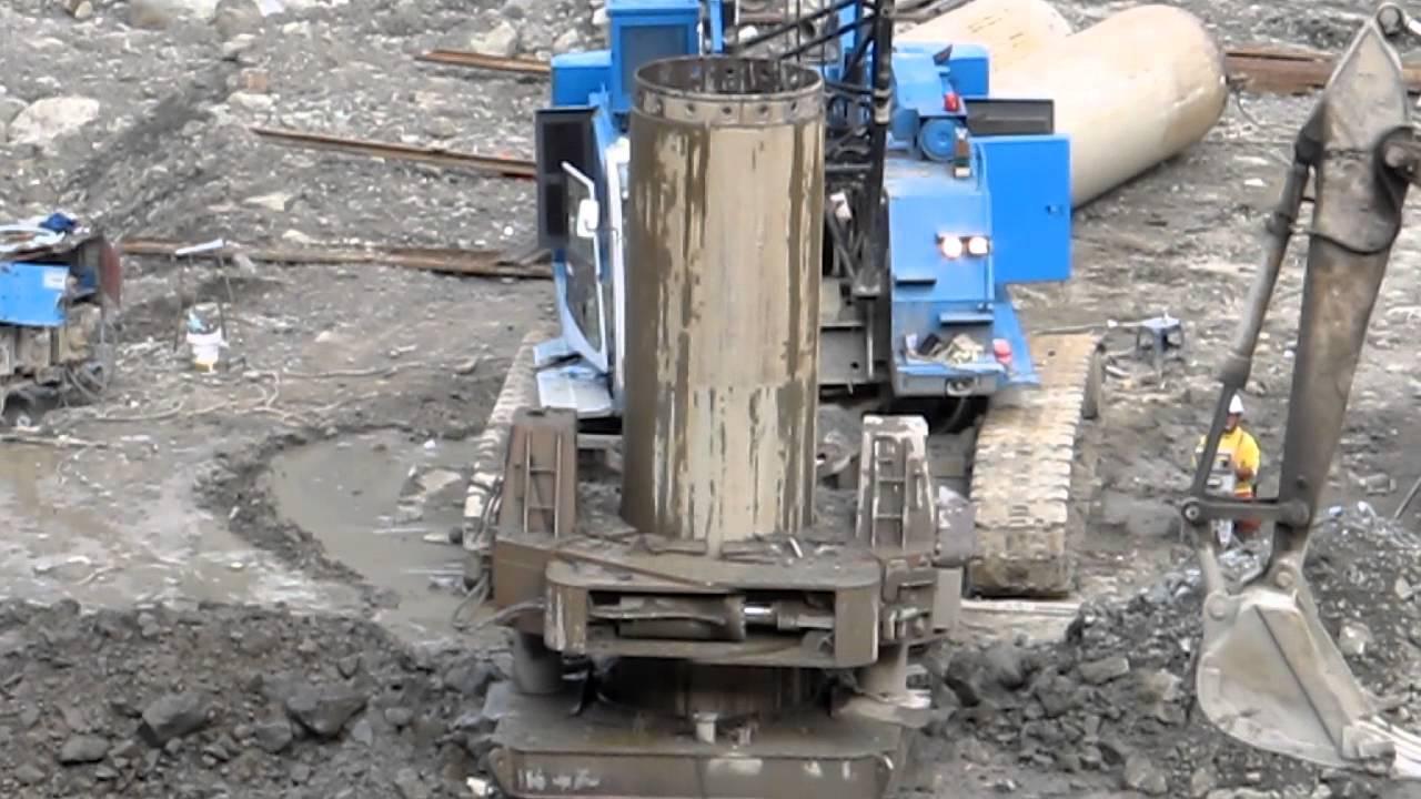 全套管基樁鑽掘 - YouTube