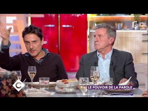 Yvan Attal et Daniel Auteuil au dîner - C à Vous - 17/11/2017