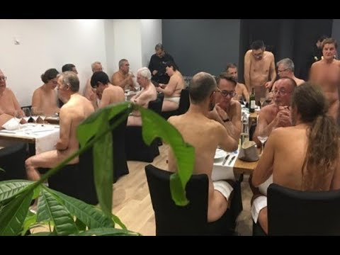 Nudist Restaurant at Paris