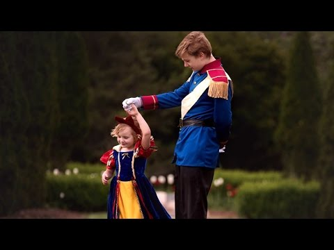Thumbnail: Big Brother Dresses As Prince Charming For Photo Shoot With Little Sister