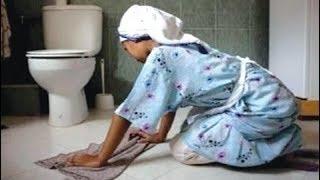 Kadın, Banyosunda Garip Bir Ses Duyduğunu Söyler Ve Komşusunu Eve Davet Eder. Sonrası İnanılmaz