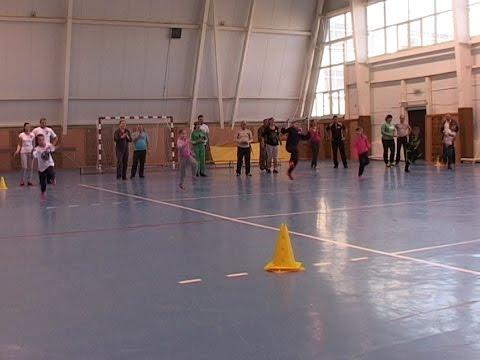 Видео: Семейные соревнования в Ровеньках
