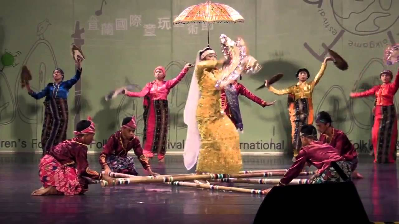 SINGKIL- PHILIPPINES: Dance of a Princess inspired from an