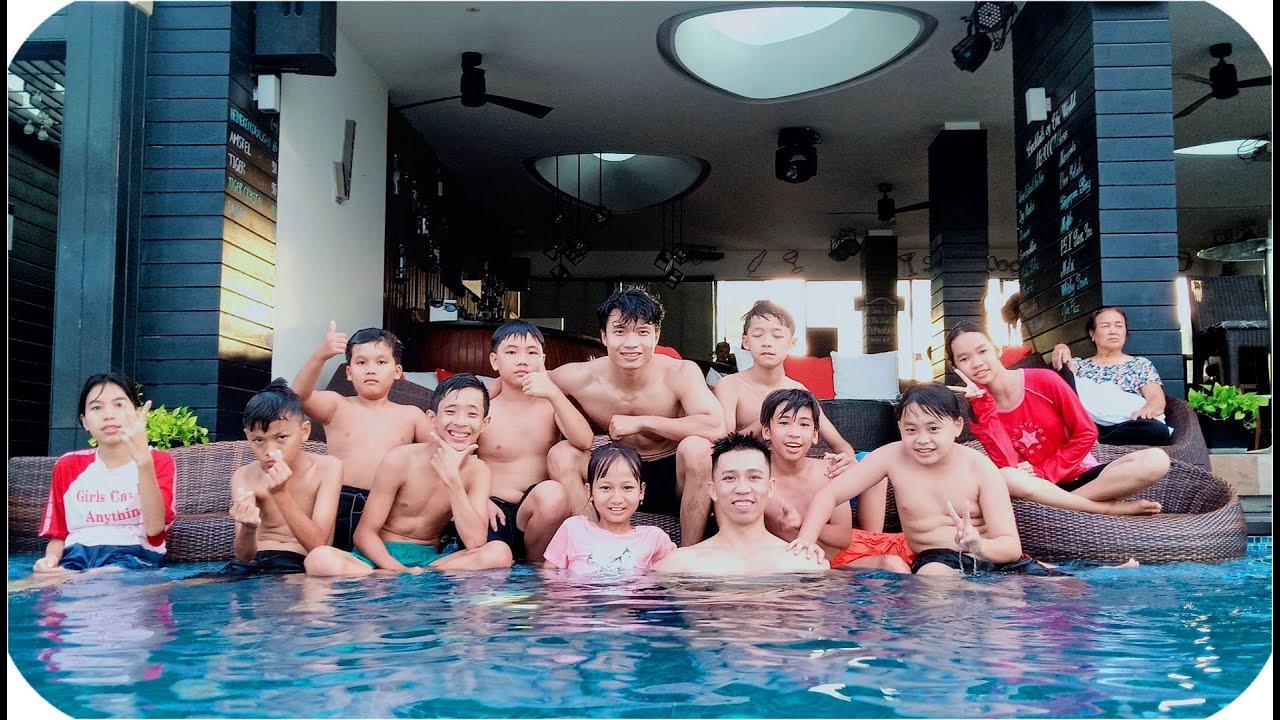 Tony & Team Tắm Trên Sân Thượng Cao 1000 mét