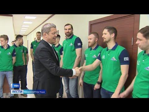 «Мы очень ждем побед»: Радий Хабиров встретился с ХК «Салават Юлаев» перед началом плей-офф КХЛ