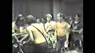 On the Rag A200 Club Crocodile Rock Johnny B. Goode Free Dumb Shut ...