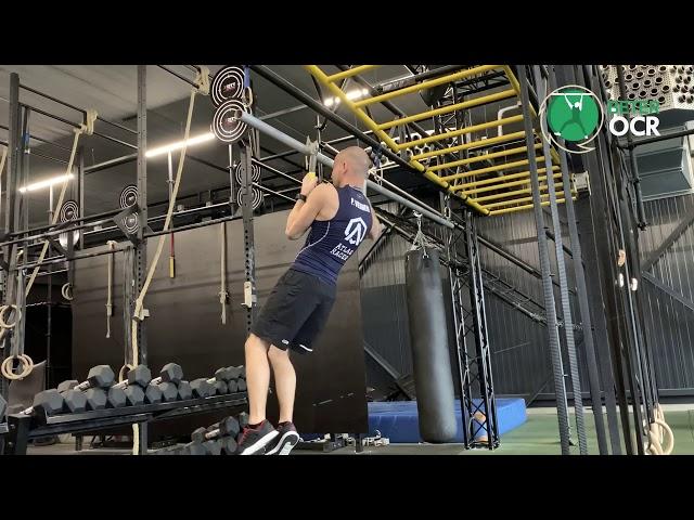 Ice Axe Oefening vanuit buighang zijwaarts schuiven