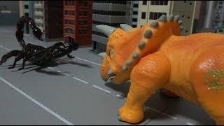 공룡메카드 트리케라톱스 vs 전갈 장난감 대결 Dino Mecard Triceratops vs Scorpion Toy Showdown