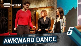 A awkward dance do Janeiro | 5 Para a Meia-Noite | RTP