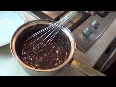 Готовим ганаш или шоколадную глазурь.