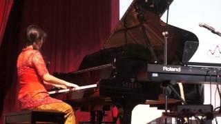 Angelia Sjafri Recital perf Si Patokaan & Ayo Mama at Sekolah Musik Indonesia Concert