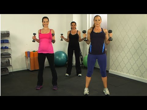 10-Minute Prenatal Workout From The Trainer Who Kept Heidi Klum In Shape!