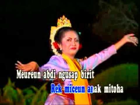CIKAPUNDUNG - TATI SALEH - [Karaoke Video]