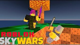 Roblox SkyWars!!!! Halloween Armor and Weapons!!!!!