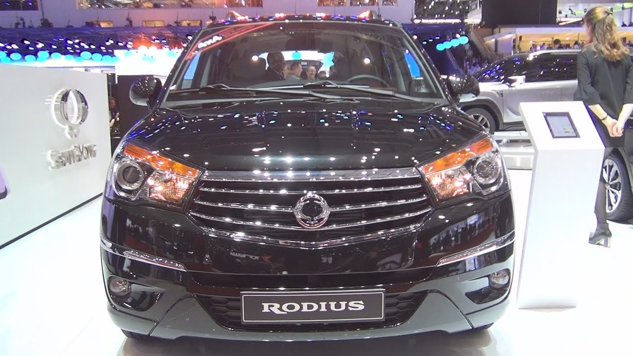 Ssangyong rodius quartz 7at awd turismo 2 2 sv220e xdi for Ssangyong rodius interior
