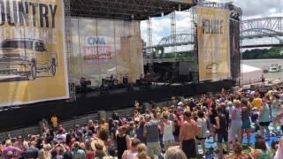 Jon Pardi Dirt on my boots LIVE CMA fest