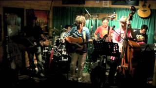 2011年8月28日 愛知県豊川市「One by One」にてライブの模様です。