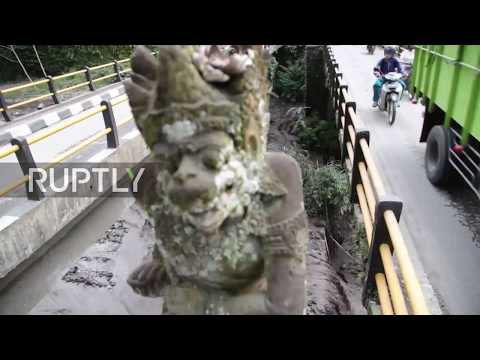 Indonesia: Volcanic mud floods into Bali's villages as thousands evacuate