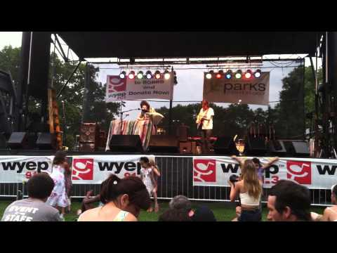 """""""Embrace Me"""" - Elizabeth & the Catapult (Greg Laswell cover) Pittsburgh, PA 6/28/2014"""