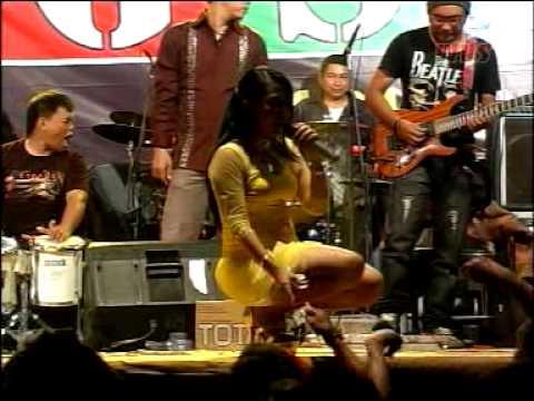 Live show GSF Group...di Petukangan Utara... ( Sama Jahatnya Voc.Ely Erlita )