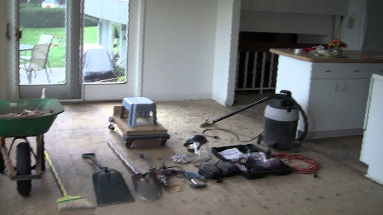 Ceramic tile removal using a demolition hammer diy youtube dailygadgetfo Image collections