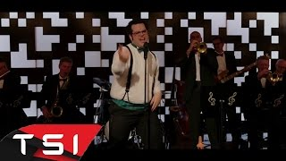 Pixels 2015 - Josh Gad Singing '' Everybody Wants To Rule The World''