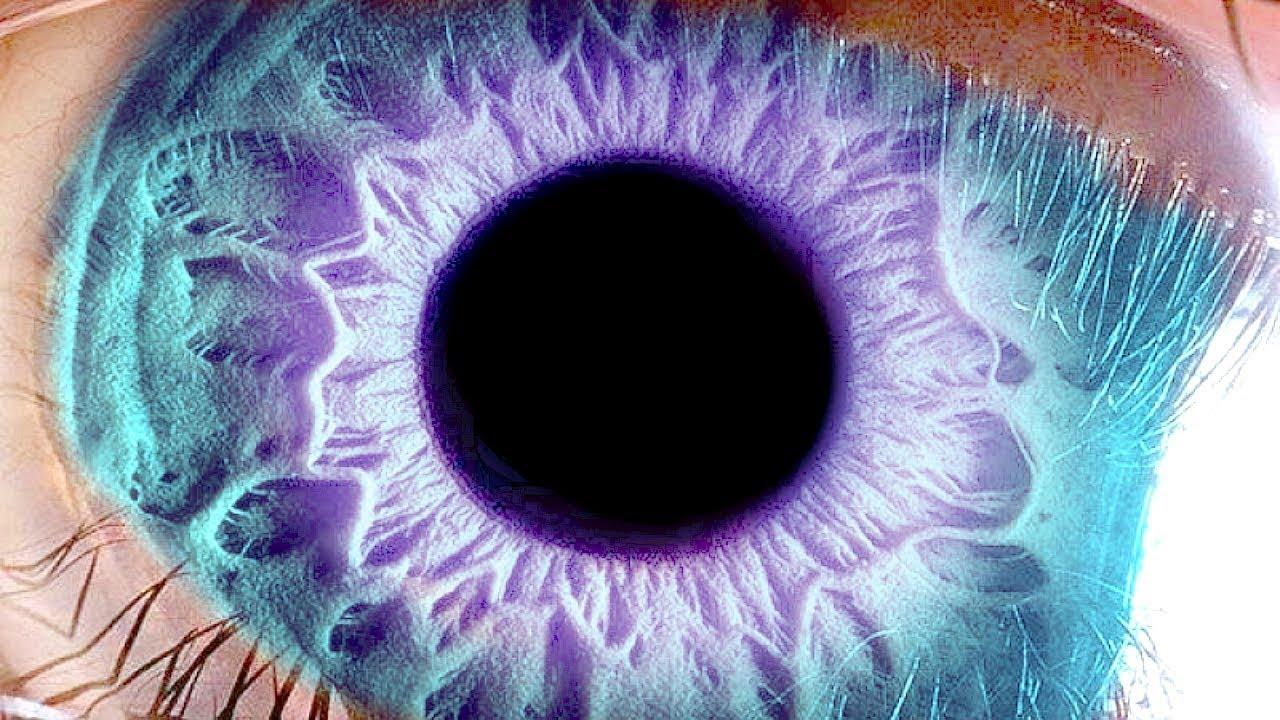 كيف تغير لون عينيك ؟ حقيقة وليست كذبة.. شاهد بنفسك !!