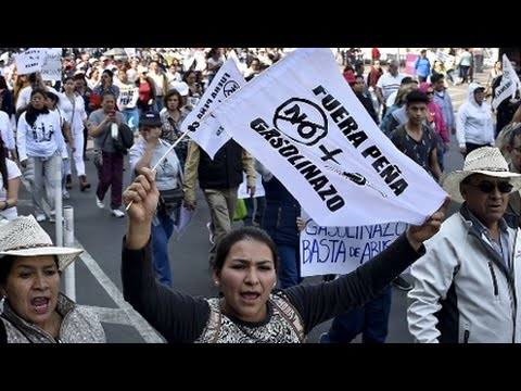 Mexican Gov. Faces Crisis of Legitimacy After Consumption Tax on Oil Catalyzes Popular Protests