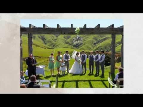 harley-+-amber---ohariu-farm-wellington-wedding