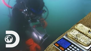 Divers Find £29K Worth Of Gold On Ocean Floor | Gold Divers