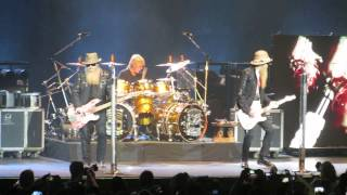 ZZ TOP Live Paris 2015 - Intro + Got me under pressure