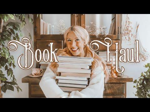 A Big Cozy Book Haul 🕯️// New Books For Spooky Season U0026 Beautiful Covers! 🕯️